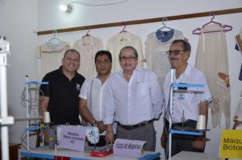 San Ignacio de Velasco recibe apoyo para promover la ropa chiquitana