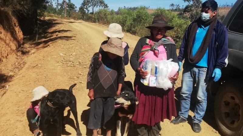 Covid-19: Familias de Pocona son beneficiadas con 100 canastas básicas alimentarias